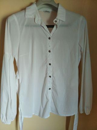 Camisa blanca, moda italiana