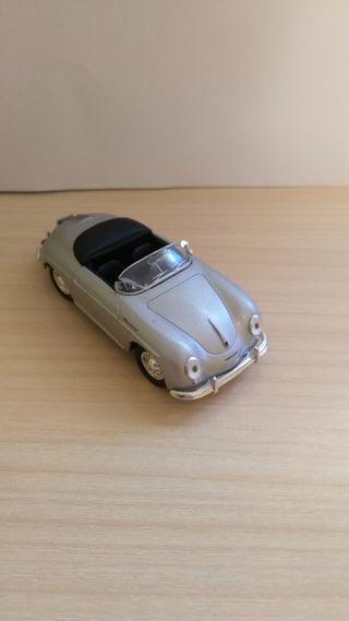 Porsche 356A coche a escala 1:43 defectuoso.