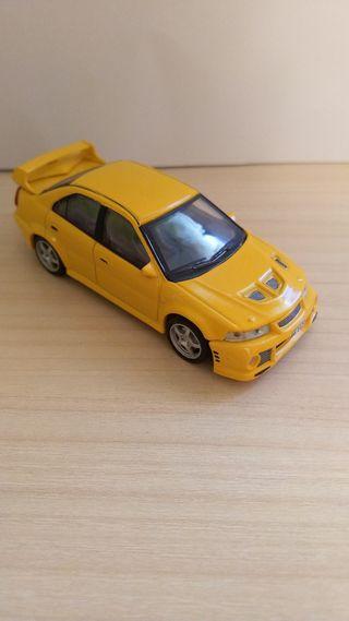 Mitsubishi Lancer coche a escala 1:43