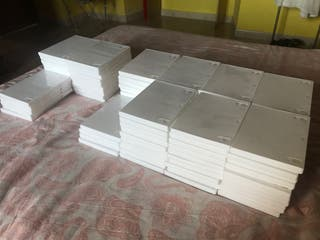 99 estuches CD/DVD blancos