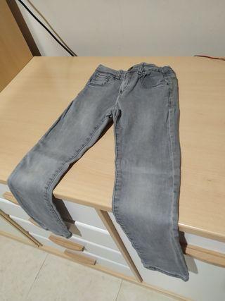 Pantalón Zara gris Slim fit talla 5-6