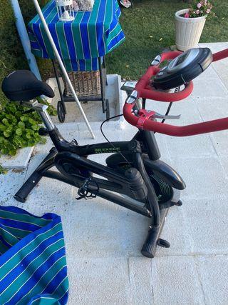 Bicicleta estática fitness