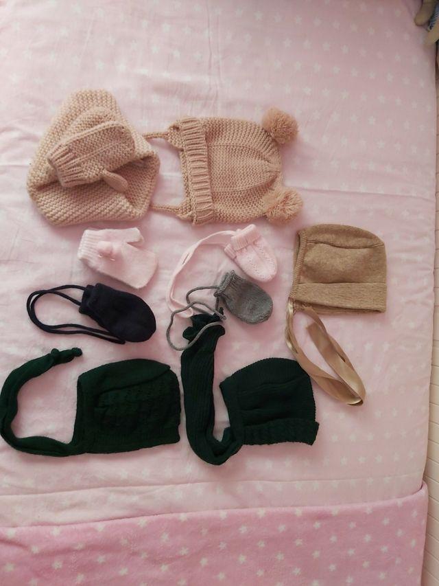 lote de gorros, capotas, guantes...