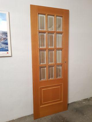 Puertas de madera para interior de hogar