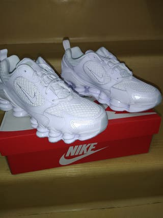 Nike shox nova