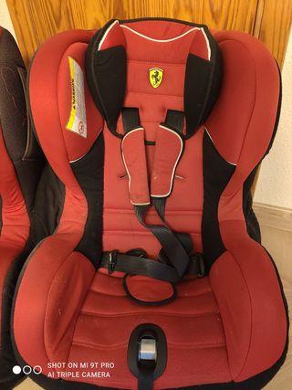 Dos sillas coche Ferrari