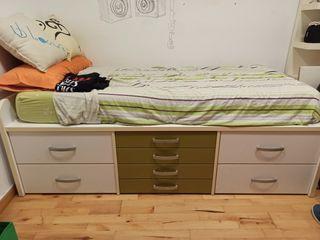 Juego habitación cama y estantería