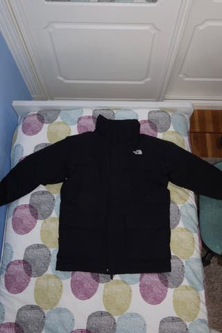 ABRIGO DE PLUMAS NEGRO THE NORTH FACE CON CAPUCHA