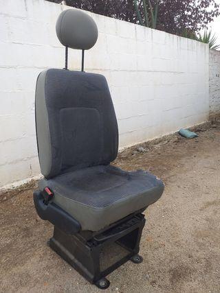 asiento de conductor Nissan interstar