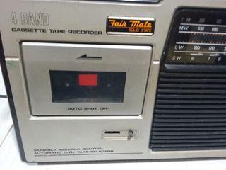 Radio antigua con cassette Fair Mate