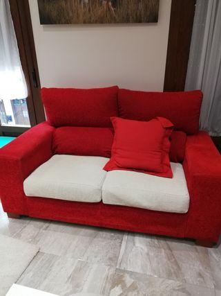 sofá en muy buen estado