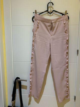 Pantalón rosa detalle zara