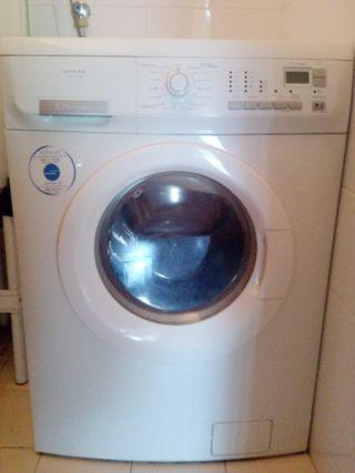 Lavadora + secadora Electrolux Inspire Eco 7kg