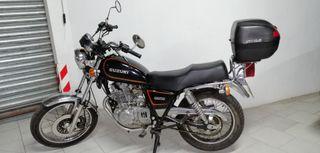 Moto Suzuki GN 250