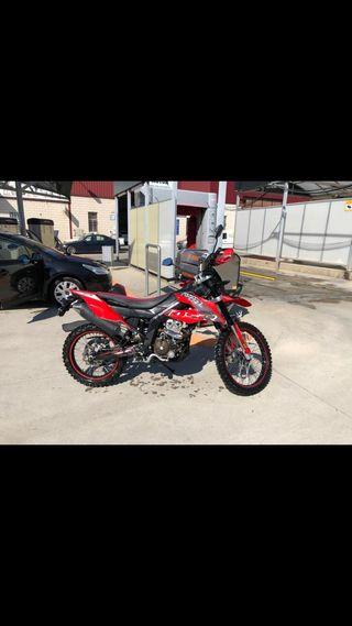 MOTO UM DSR 125cc