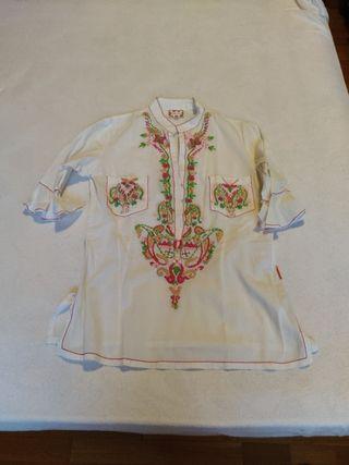 Camisa de FLAMENCO con bordados. T. M