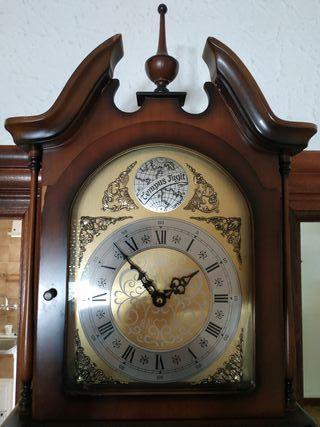 reloj de péndulo de pared