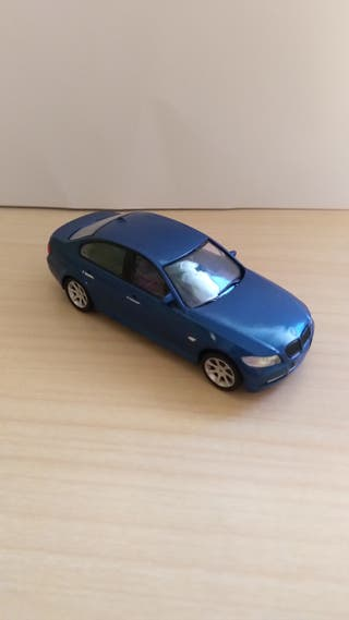 BMW Serie 3 coche a escala 1:43