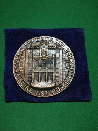 Medalla de la Escuela Superior del Ejército. Diáme