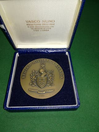 Medalla con la inscripción REGIÁO MILITAR DE LISBO