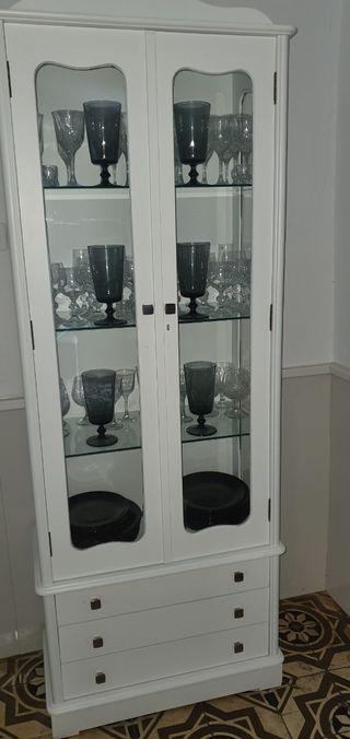 vitrina antigua blanca