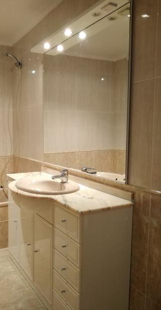 Armario de baño y espejo