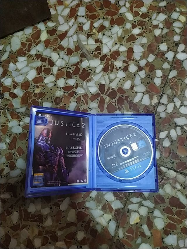 Injustice 2 PS4 Como Nuevo