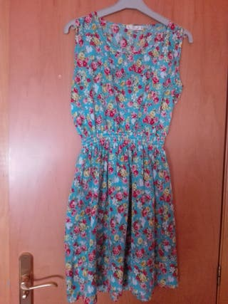 Vestido de florecitas. Talla S. Muy fresquito