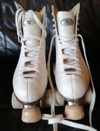 Patines de patinaje artístico. T39