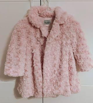 Abrigo Rigans rosa bebé con capota
