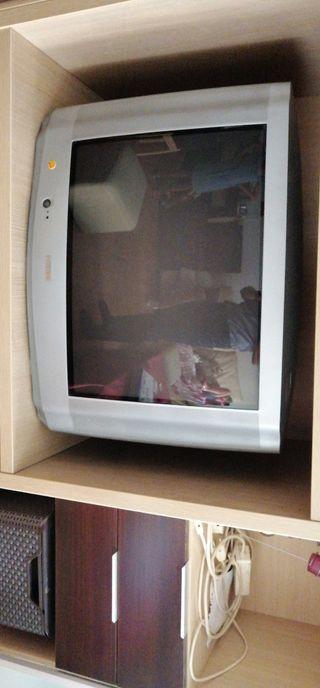 Tv retro con DVD disco duro incorporad grabado tdt