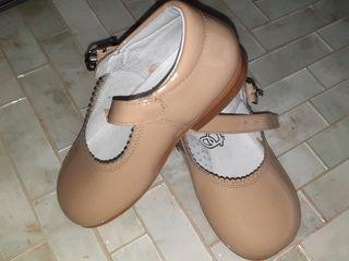 Zapatos charol beige 21