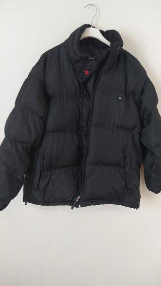 abrigo negro plumas