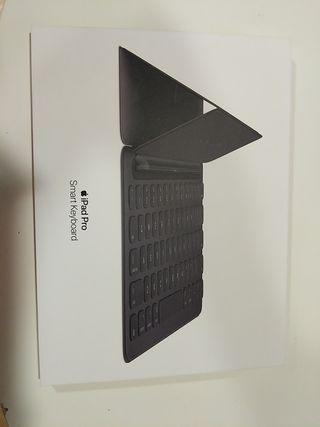 Smart Keyboard.