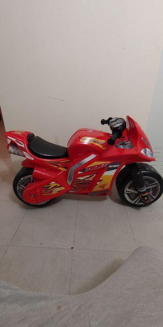Se vende moto de correpasillos