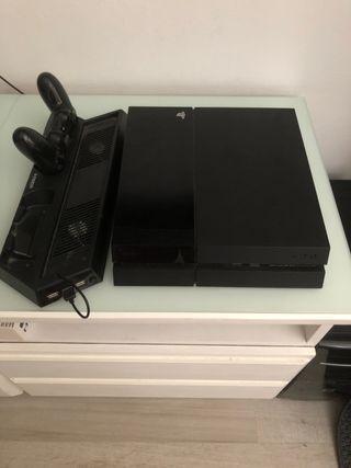PlayStation 4 + Mando + ventilador con cargador.