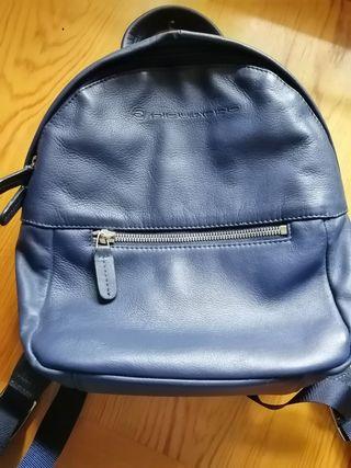 mochila azul piquadro