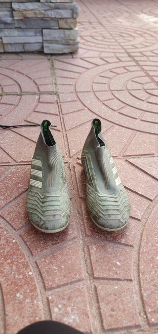 Botas de futbol Adidas predator camuflaje