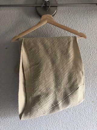 Cuello bufanda beige