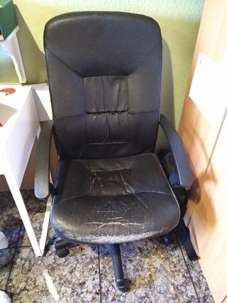 Vendo silla de oficina con respaldo y reposabrazos