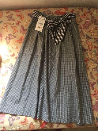 Falda midi. Zara
