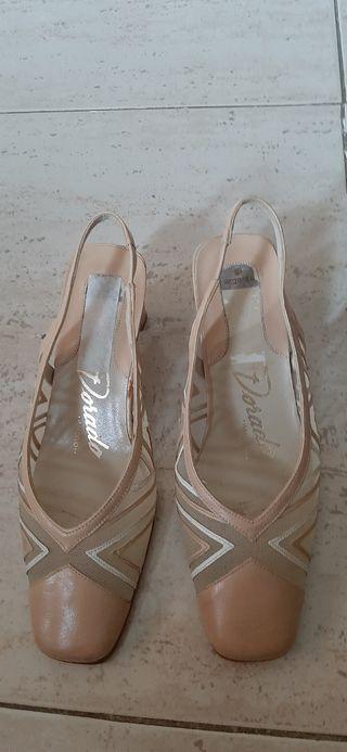 zapatos o sandalias piel y cuero