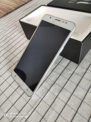 Móvil Samsung Galaxy J7 (2016) blanco