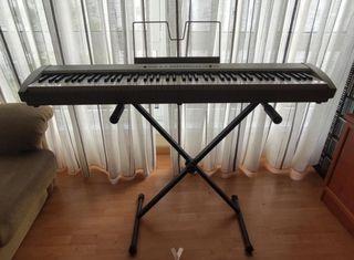 Piano Korg SP-200