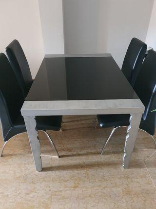 Conjunto de mesa extensible y sillas de comedor