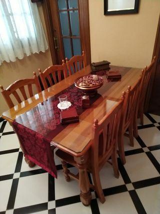 Mesa con 6 sillas provenzal
