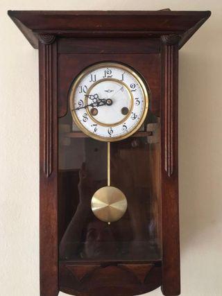 Rellotge de pèndul de paret / Reloj de pared