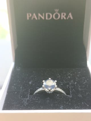 Anillo Pandora corona brillante azul
