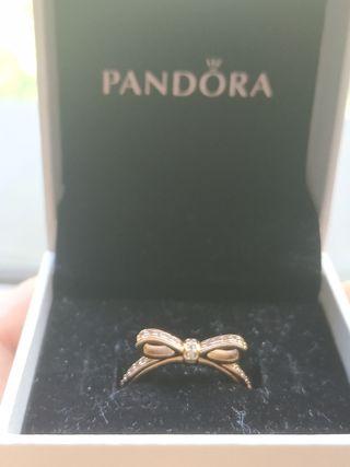 Anillo Pandora lazo deslumbrante rose