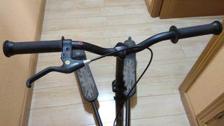 Patinete 3 ruedas para derrapat